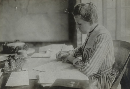 Miss Ida M. Tarbell, Woman's Committee, Council of National Defense. (NAID 26432785).